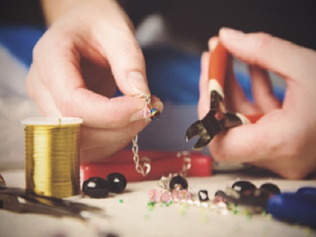 Teen Jewelry Making Class Oct. 17 6p.m.