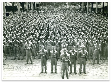 A picture of the soldiers of the 442nd RCT at Iolani Palace prior to departure for training camp (March 1943)