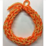 finger yarn lei
