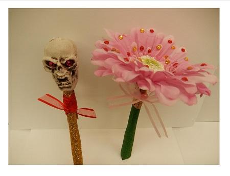 Skull and Flower Pen
