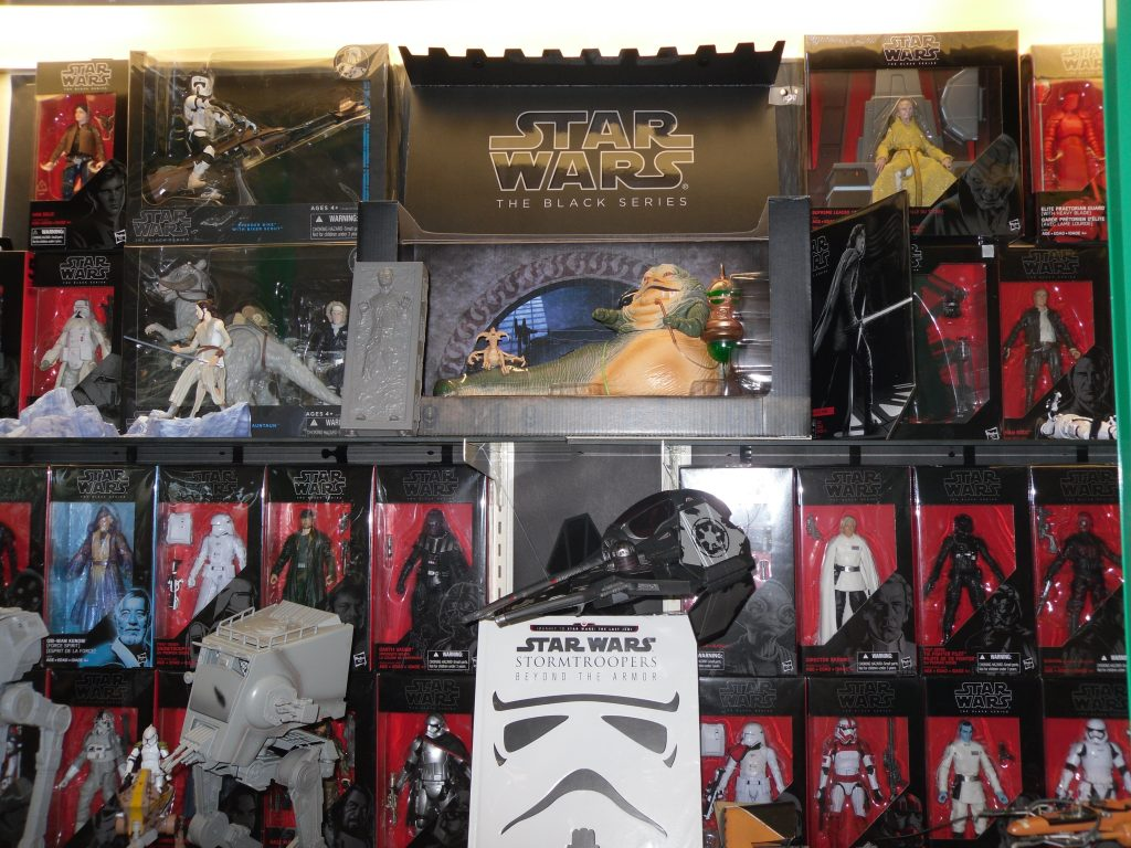 Star Wars figurine and book display at Kapolei Public Library during May 2018